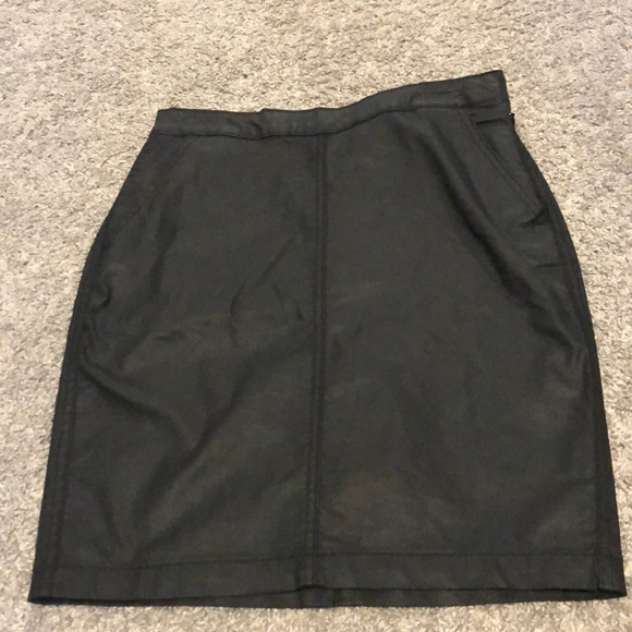 Banana Republic Factory Dresses & Skirts - Faux leather skirt